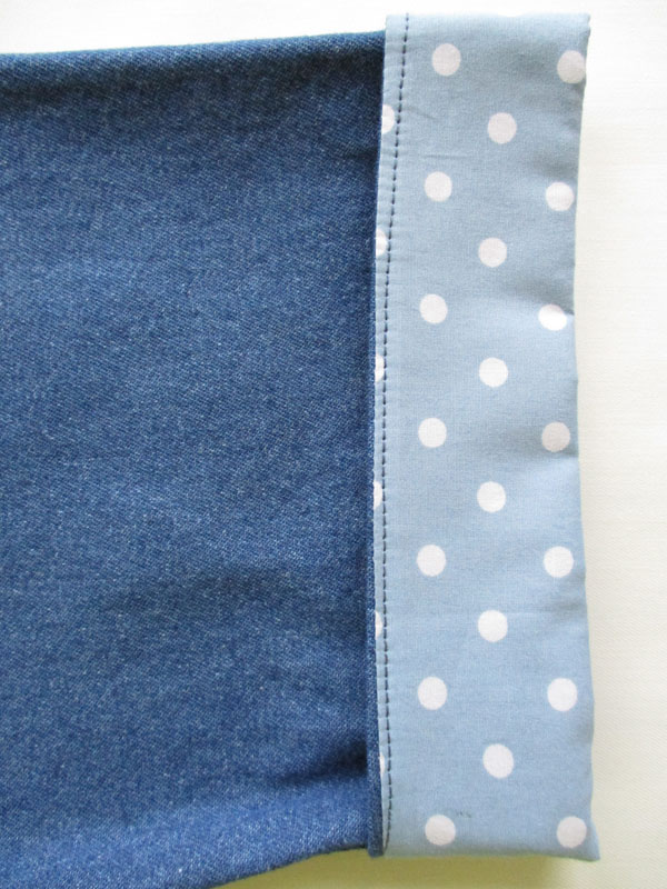 Pale Blue Spot Sleeve.jpg